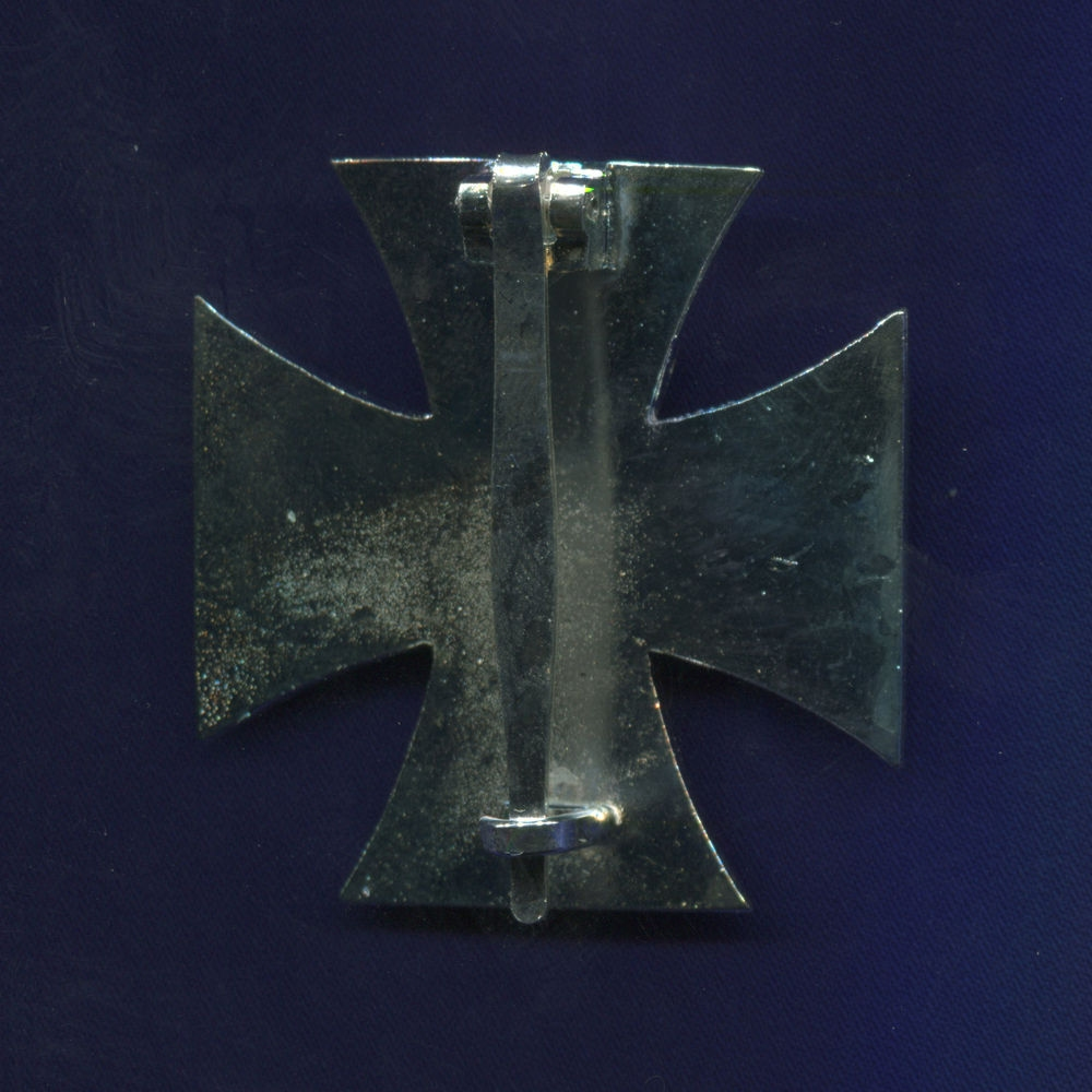 Железный крест  I класса на булавочном креплении  (муляж) - 1